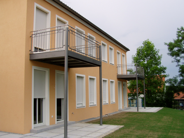 anbaubalkon kosten anbaubalkon hermann g tz metallbau edelstahldesign balkon bauen kosten. Black Bedroom Furniture Sets. Home Design Ideas