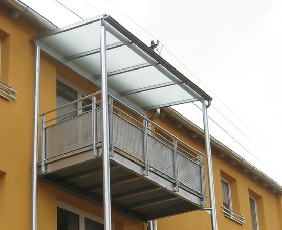 Metal carports metallbau landsmann gmbh co kg balkone for Kitchen cabinets lowes with papiers vente voiture